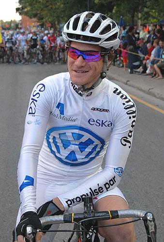 Arnaud Papillon, meilleur junior en 2009 et quatrième du classement général a été victime d'un grave accident.