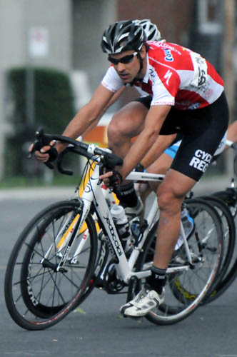 J.-F. Laroche, détenteur du maillot rouge Quilicot-Specialized, représentant le 2e au classement général (Robert Wilson)