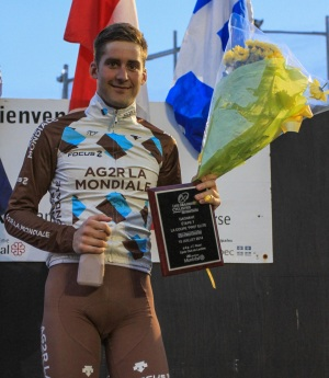 Hugo Houle rsur podium étape 6  Photo © M Ledoux