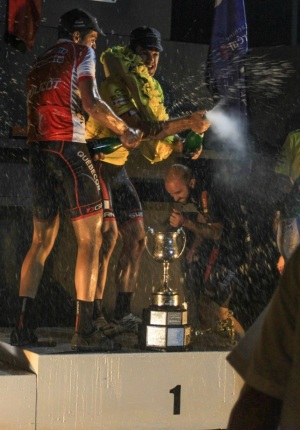 podium champions 2014 champagne